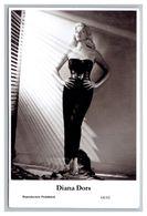 DIANA DORS - Film Star Pin Up PHOTO POSTCARD - 64-61 Swiftsure Postcard - Artistas