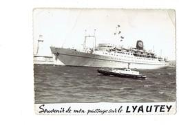 Cpm - Souvenir De Mon Passage Sur Le LYAUTEY - Bateau Remorqueur - CIE PAQUET - Remorqueurs
