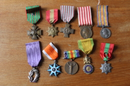 Lot De 10 Medailles Militaires Et Civiles   A Identifier - France