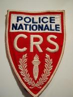ECUSSON TISSUS PATCH POLICE NATIONALE CRS EN COULEUR GRAND MODEL 14CM X 12.5CM OCCASION MAIS ETAT EXCELLENT - Police & Gendarmerie