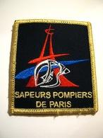 ECUSSON TISSUS PATCH SAPEURS POMPIERS DE PARIS SUR VELCROS ETAT EXCELLENT - Pompiers