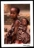C419 CÔTE D'IVOIRE IVORY COAST - FOLKLORE ETHNICS PEOPLE COSTUMES WOMAN CHILDREN - EDUCATION MATERNELLE - Costa D'Avorio