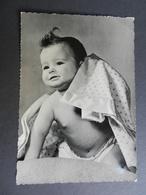19855) BAMBINO CON LENZUOLO VIAGGIATA 1958 - Portraits