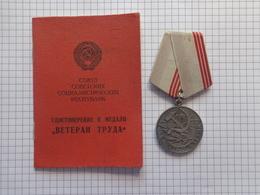 Travail D'ancien Combattant. - Russie