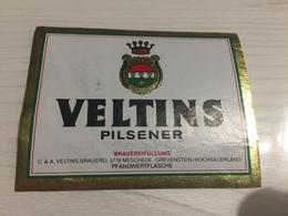 Ancienne Étiquette 1.1 BIÈRE ÉTRANGÈRE VELTINS PILSENER MESCHEDE GREVENSTEIN HOCHSAUERLAND - Bière