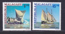MADAGASCAR N°   576 & 577 ** MNH Neufs Sans Charnière, TB (D8195) Bateaux, Voiliers, Pirogue, Boutre - 1975 - Madagascar (1960-...)
