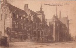 Neerpelt Gemeentehuis En Kerk - Neerpelt