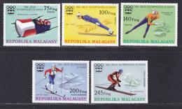 MADAGASCAR N°   573 à 575, AERIENS 160 & 161 ** MNH Neufs Sans Charnière, TB (D8196) Jeux Olympiques à Innsbruck -1975 - Madagascar (1960-...)
