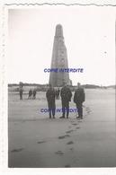WW2 PHOTO ORIGINALE Soldats Allemands & Monument US POINTE DE GRAVE LE VERDON SUR MER Saint Vivien Du Medoc Face Royan - 1939-45