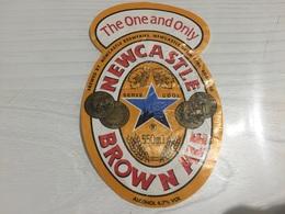 Ancienne Étiquette 1.1 BIÈRE ÉTRANGÈRE NEWCASTLE BROWN ALE LONDON ENGLAND - Bière