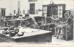1265    TOURCOING : Ecole De Menusierie  A L'Institut Colbert 10 Rue De Gand,animée. édit L.S - Tourcoing