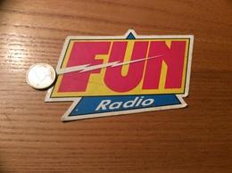 AUTOCOLLANT, Sticker «FUN Radio» - Autocollants