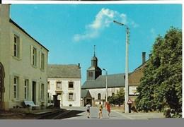 Chiny Izel Sur Semois L'église à Gauche Le Siege Du Syndicat D'Initiative - Chiny