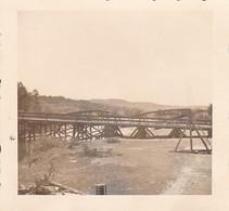 Foto Zerstörte Brücke Und Behelfsbrücke - 2. WK - 6*6cm (38742) - Guerre, Militaire