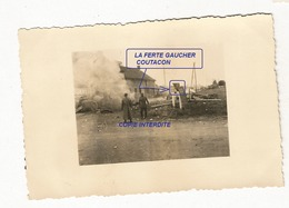 WW2 PHOTO ORIGINALE Soldats Allemands Secteur LA FERTE GAUCHER COURTACON 77 SEINE ET MARNE 1940 - 1939-45