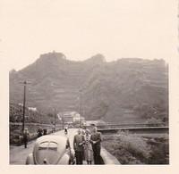 Foto Altenahr - Personen Mit VW Käfer - Ca. 1940 - 5,5*5,5cm (38746) - Places