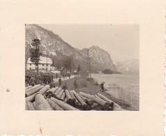 Foto Gruppe Deutsche Soldaten - Baumstämme An Einem See - 2. WK - 5,5*4cm (38749) - Guerre, Militaire