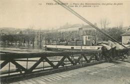 TRIEL SUR SEINE PLACE DES MARRONNIERS CRUE 1910 PENICHE SERVICE DE ROUEN - Triel Sur Seine