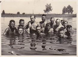 Foto Gruppe Junge Männer Beim Baden In Einem See - Ca. 1940 - 11*8cm (38760) - Personnes Anonymes