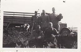 Foto Gefangene Mongolen Aus Asien - Sowjetische Soldaten - 2. WK - 8*5cm (38767) - Guerre, Militaire