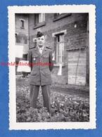 Photo Ancienne - Beau Portrait D'un Garçon Militaire - Régiment à Identifier , Voir Insigne & Uniforme - Soldat Soldier - War, Military