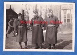 Photo Ancienne - VERSAILLES - Camp Des Mortemets - Portrait De Militaire , Février 1940 - Voir Insigne & Uniforme WW2 - Guerre, Militaire