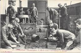 1266  TOURCOING : Ecole Les Modeieurs Au Moulage   A L'Institut Colbert 10 Rue De Gand,animée. édit L.S - Tourcoing