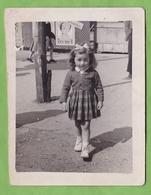 Belle Photographie Originale Fillette à Toulouse ? Affiche Charles Trenet - Lieux