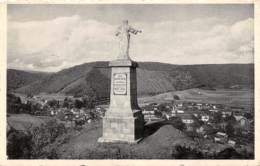ALLE S/SEMOIS - Statue Du Sacré-Coeur Dminant Le Village - Vresse-sur-Semois