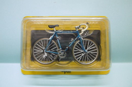 Del Prado -  VELO CYCLES GITANE BERNARD HINAULT 1980 Bicyclette NBO 1/15 - Motos