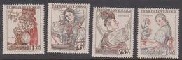 Czechoslovakia SG 1008-1011 1957 National Costumes 3rd Issue, Mint Never Hinged - Czechoslovakia