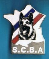 PIN'S // ** S.C.B.A. // SOCIÉTÉ DU CHIEN DE BERGER ALLEMAND ** - Police