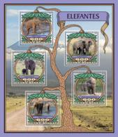Guinea Bissau 2016  Fauna  Elephants - Guinée-Bissau