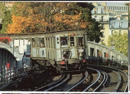 CP Trains - Tramways De Paris Et La Rame SPRAGUE-THOMSON - Métro Parisien, Gares