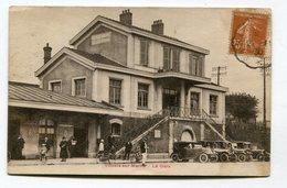 CPA  94  :  VILLIERS SUR MARNE   La Gare Avec Voitures   A  VOIR  !!!!!!! - Villiers Sur Marne