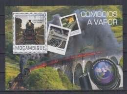 A90. Mozambique - MNH - 2014 - Transport - Trains - Locomotive - Australia - Bl - Trains
