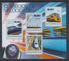 A90. Mozambique - MNH - 2014 - Transport - Trains - Modern Trains - Trains