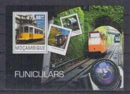A90. Mozambique - MNH - 2014 - Transport - Cable Car - Bl - Transports