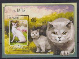 K90. Sao Tome & Principe - MNH - 2014 - Nature - Animals - Cats - Bl. - Timbres