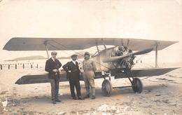 """SAINT-MALO  - Carte-Photo De L'Aviateur """" MANEYROL """" Devant Son Avion Sur La Plage - Aviation - Photographe """"OLIVRY"""" - Saint Malo"""