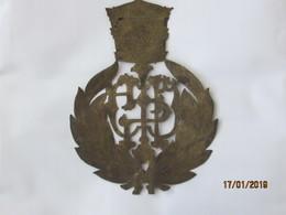 Ethiopia: Badge Haile Selassie Monogramme Sur Feuille De Cuivre Ciselée - Badges & Ribbons