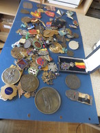 100 Piéces Environ MEDAILLES ,PIECES,PUCELLES,ET DIVERS Environ 100  ,pieces à Voir Et Etudier - Jetons & Médailles