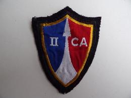 ECUSSON MILITAIRE En Tissu II CA 2ème Corps D'Armée En Allemagne R.F.A. Régiment Bataillon Militaria - Ecussons Tissu
