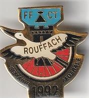 Rare Pin's Rouffach Alsace Semaine Fédérale De Cyclo Tourisme 1992 - Villes
