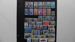 ITALIE   :46 Timbres Oblitérés - Collections