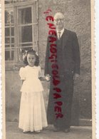 43- CHAMBON SUR LIGNON - RARE PHOTO ORIGINALE PASTEUR TROCME ET SA JEUNE FILLEULE ARIANE JOANNON-JUSTE YAD VASHEM - War, Military
