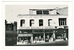 Ref 1262 - 1987 Postcard - City Lights Bookstore - Columbus Avenue - San Francisco USA - San Francisco