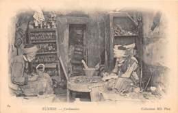 Etranger - Thème Cordonniers Vanniers / 11 - Tunisie - Cordonniers - Cartes Postales