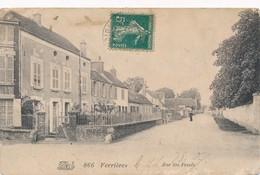 CPA - France - (45) Loiret - Ferrières - Rue Des Fossés - France