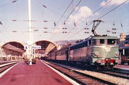 Nice (06 - France) - Février 1969 - La BB 25243 En Gare De Nice Ville - Schienenverkehr - Bahnhof